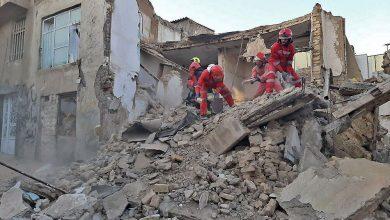 تصویر از ریزش ساختمان سه طبقه در چهارباغ استان البرز